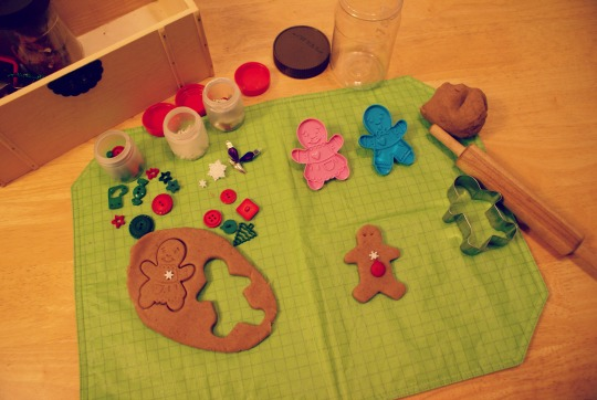 Montessori Christmas Activities for 3 - 6 Year Old's - Gingerbread Play Dough Tray
